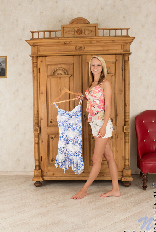Eve Luv - Nubiles - Teen Solo