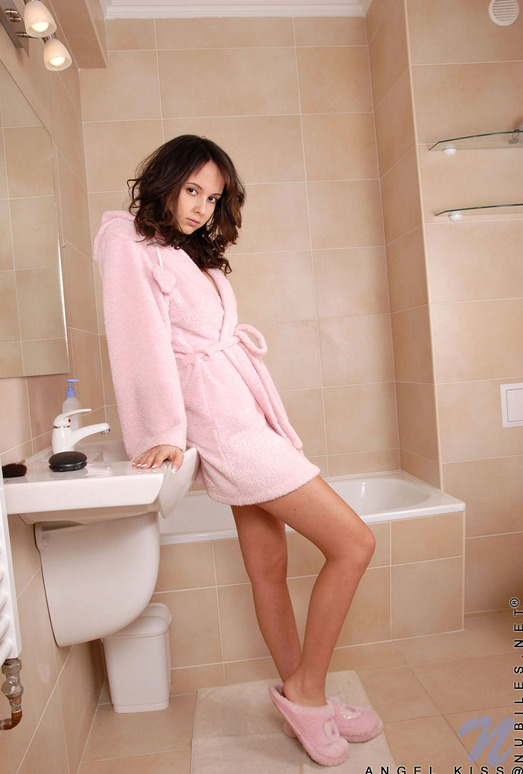Angel Kiss bathroom nudes - Nubiles