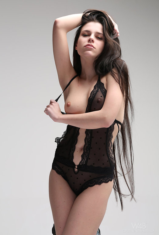 Longhaired - Valeria - Watch4Beauty