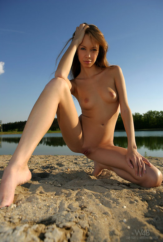 Barefooted - Natasha - Watch4Beauty