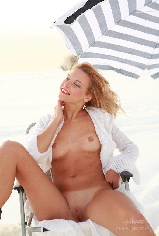 Naked Teen Model Sofi - Cold Desert