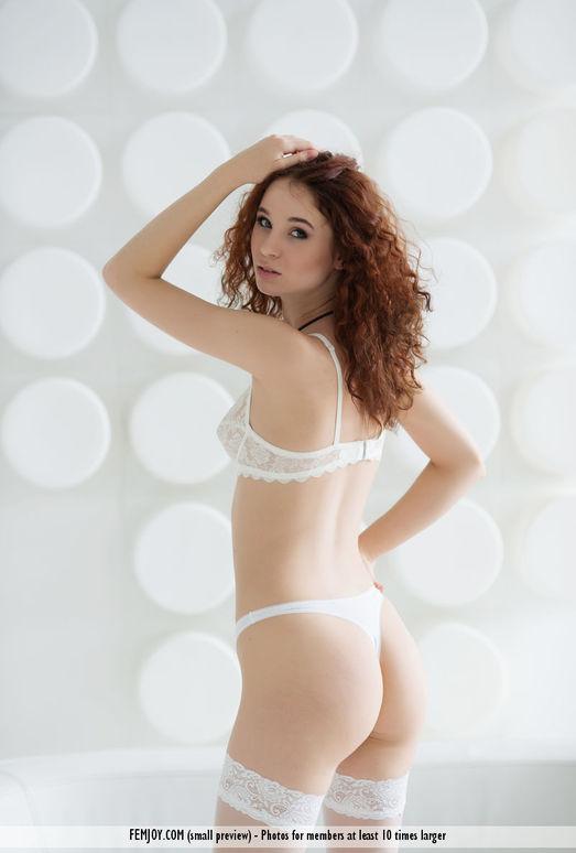 Chic - Angelina T. - Femjoy