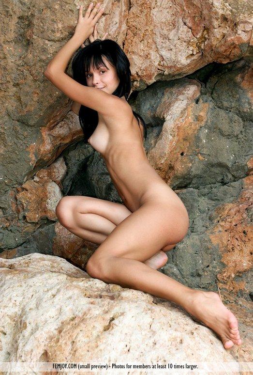 Cave Girl - Olivia - Femjoy