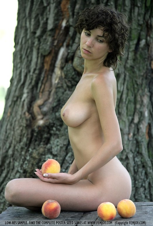 Peaches - Katalin - Femjoy