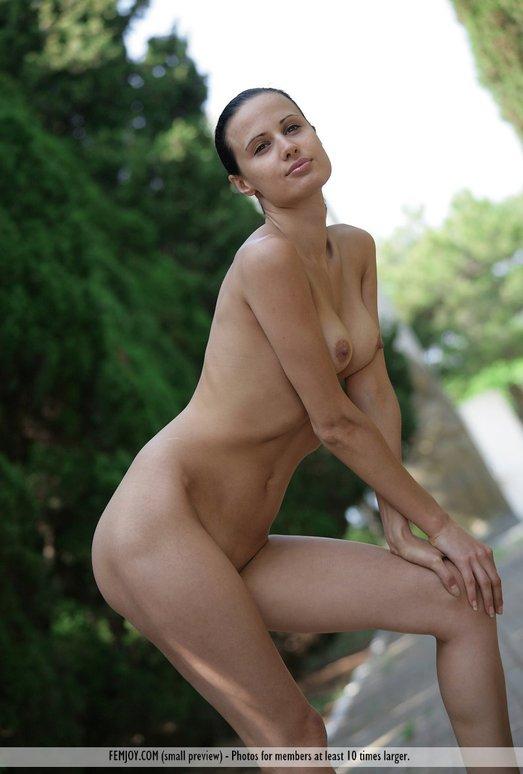 Nude Park - Paris - Femjoy