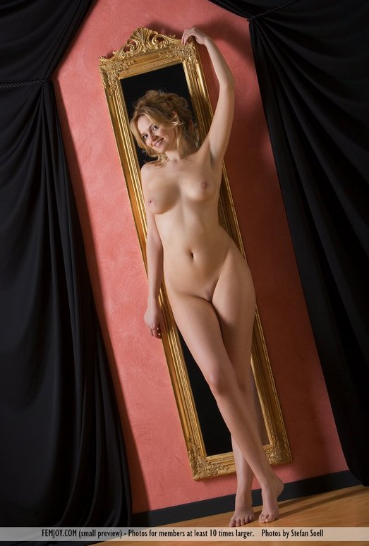 Mirror - Michaela - Femjoy