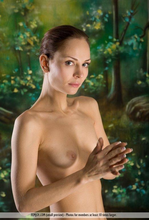 Forester - Evania - Femjoy