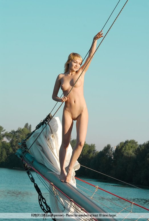 Ahead - Addie - Femjoy