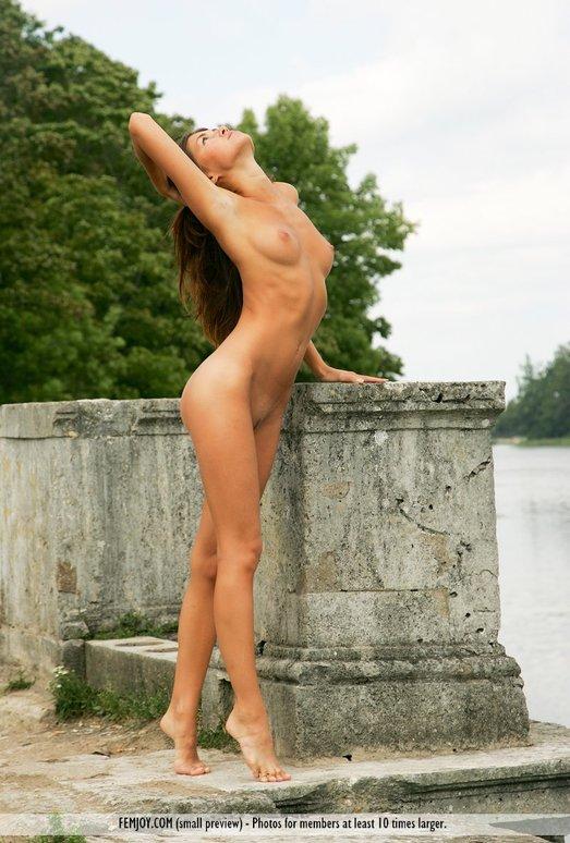 Classic Figure - Anja