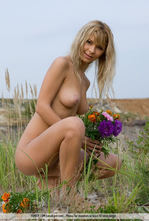 Doing Fine - Ramona - Femjoy