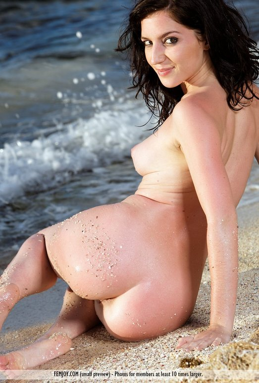 Femjoy Paulina In Alone On The Beach Coed Cherry Imagepost 1