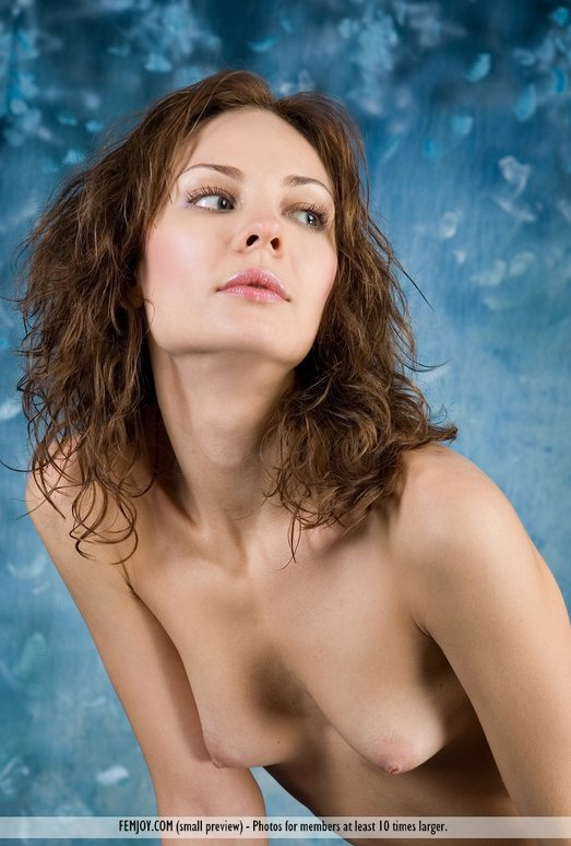 Modest - Evania - Femjoy