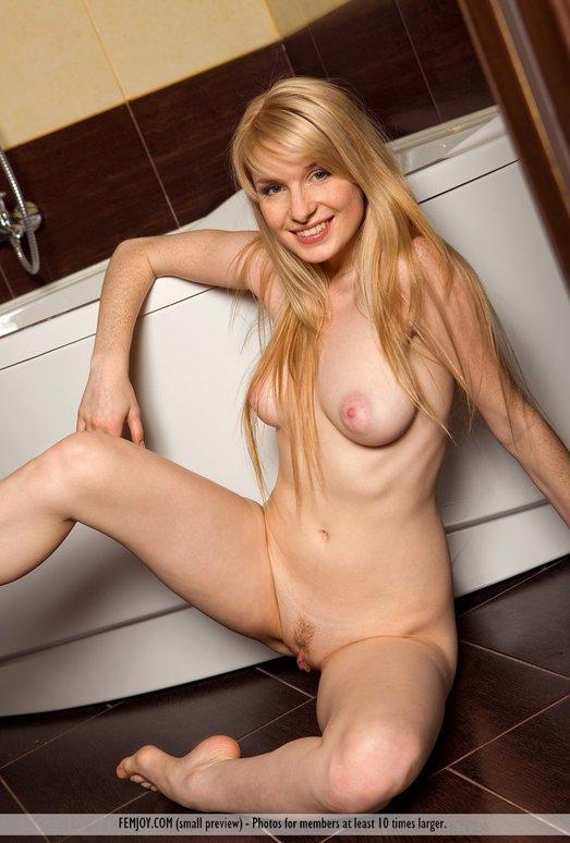 Join - Rosalia - Femjoy