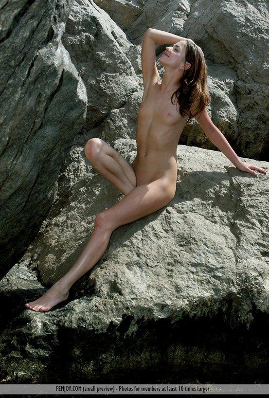 Low Tide - Ondine - Femjoy