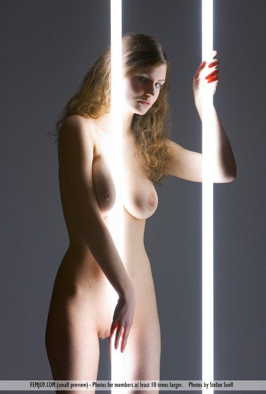 Neon Nights - Susann - Femjoy