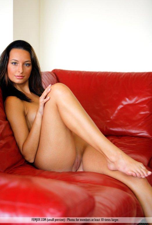 Model - Kaya - Femjoy