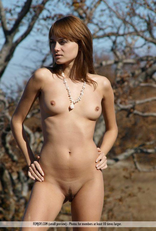 Sunday Walk - Maya - Femjoy