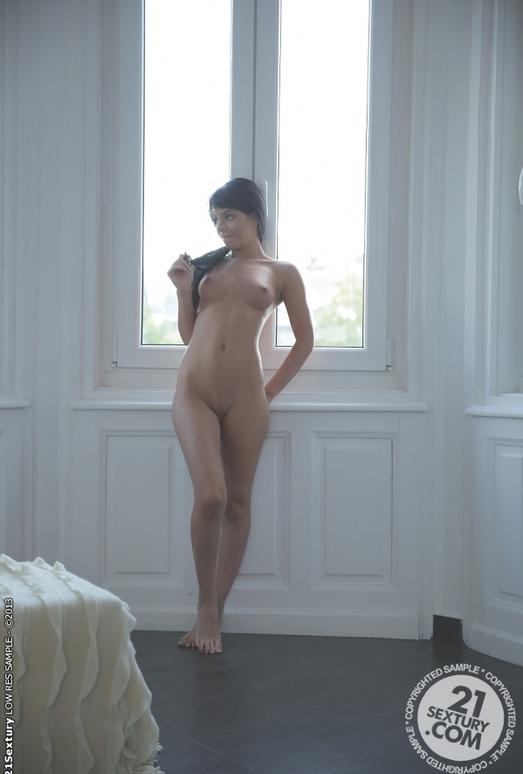 Swan - Jessyka Swan
