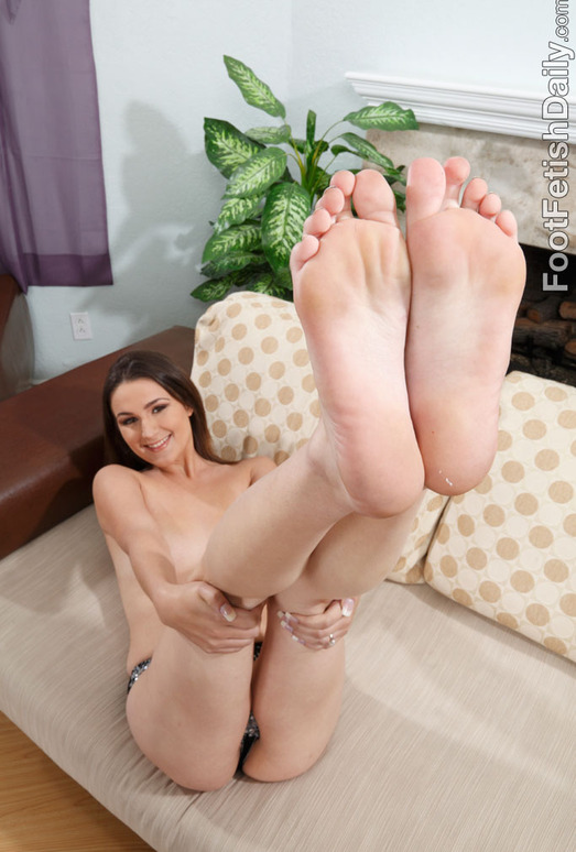 Judy Marie Footjob - Foot Fetish Daily