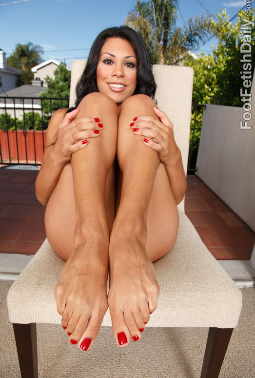 Cassandra Cruz - Foot Fetish Daily