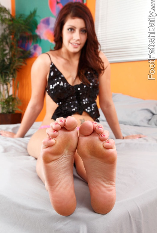 Shay Parker Has Her Feet Wet Before Giving a Footjob