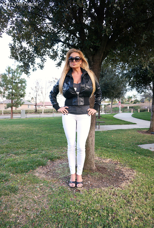 Lovers Park - Kelly Madison