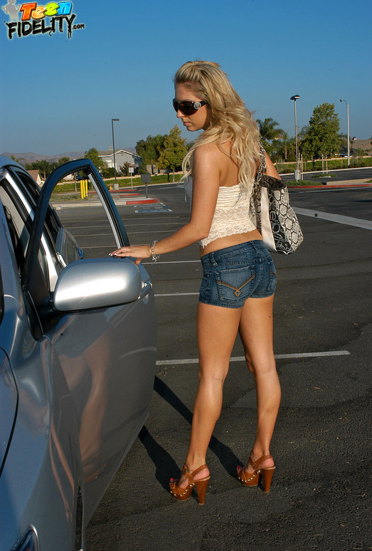 Driver's Ed Head - Jaelyn Fox