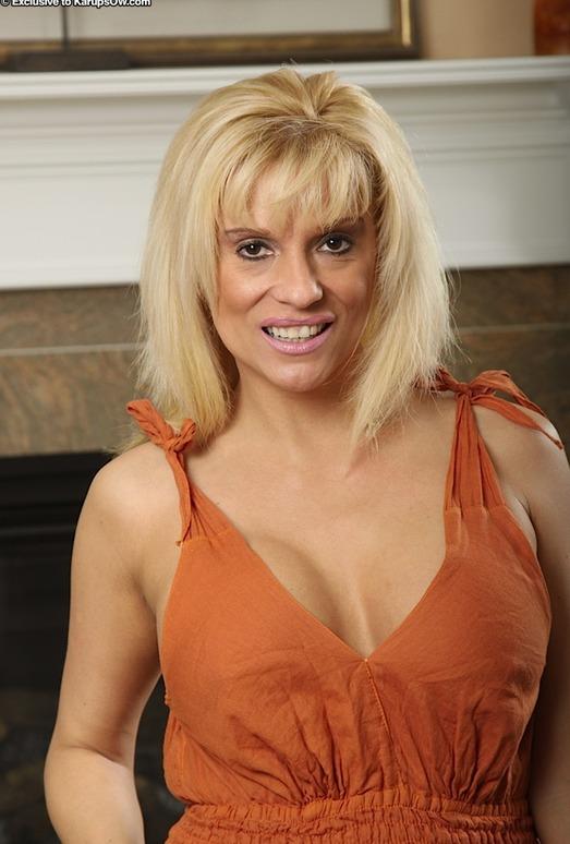 Jess - Karup's Older Women