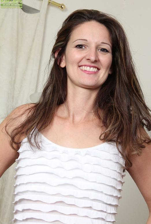 Stephanie Roberts - Karup's Older Women