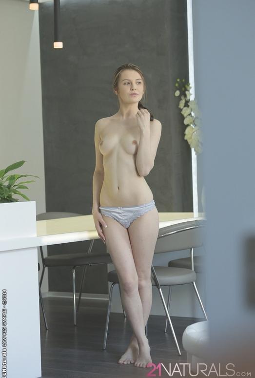 Alabaster - Timea Bella