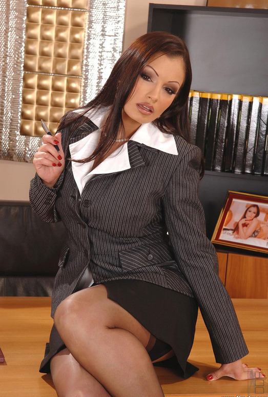 Aria Giovanni - 1by-day