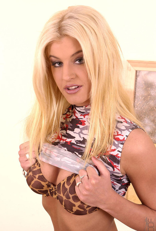 Kristia Blond - 1by-day
