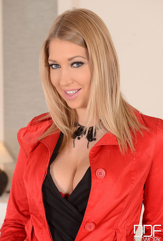 Lexi Lowe - 1by-day