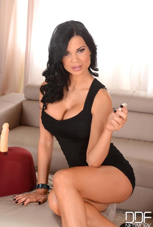 Jasmine Jae - 1by-day