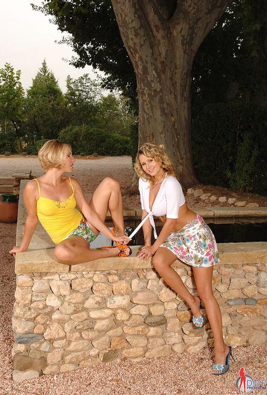 Zoe L Fox & Zuzana Z. - Euro Girls on Girls