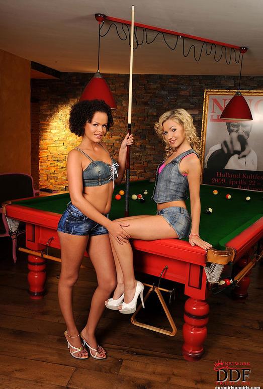 Linet & Sasha Rose - Euro Girls on Girls