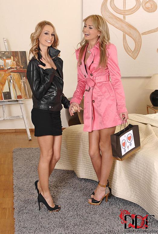 Erica Fontes & Ivana Sugar