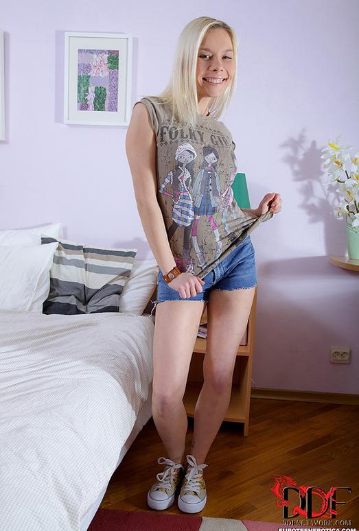 Dulsineya - Euro Teen Erotica