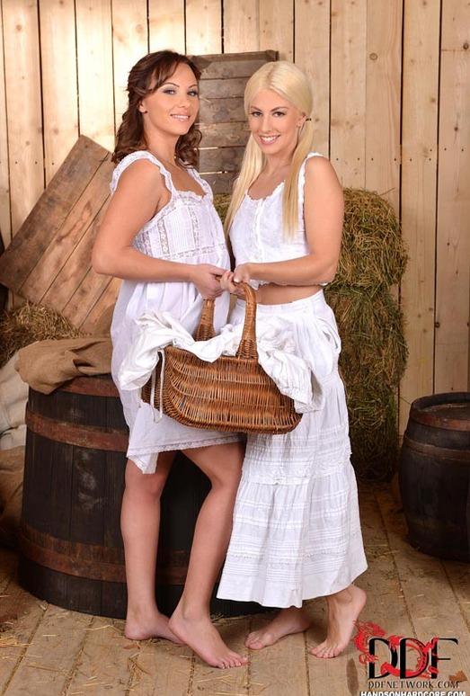 Alysa & Jessie Volt - Handson Hardcore