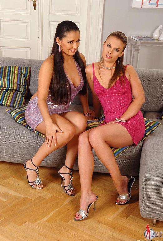 Iris & Juliana Grandi - Hot Legs and Feet