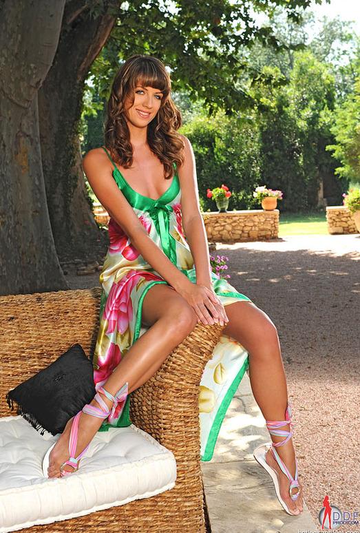 Alise Alanis - Hot Legs and Feet
