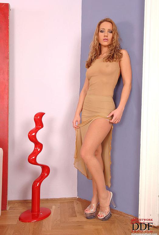 Tereza Fox - Hot Legs and Feet