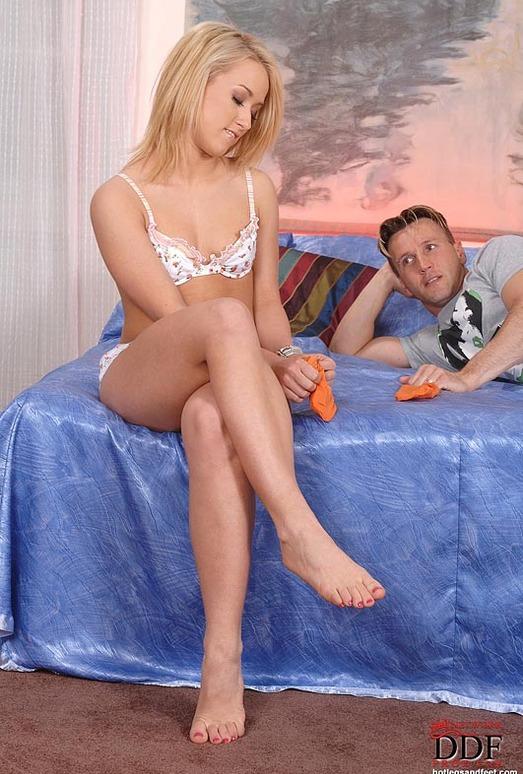 Yvette - Hot Legs and Feet