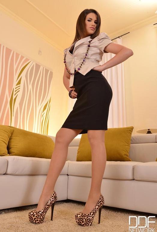 Cinthia Doll - Hot Legs and Feet
