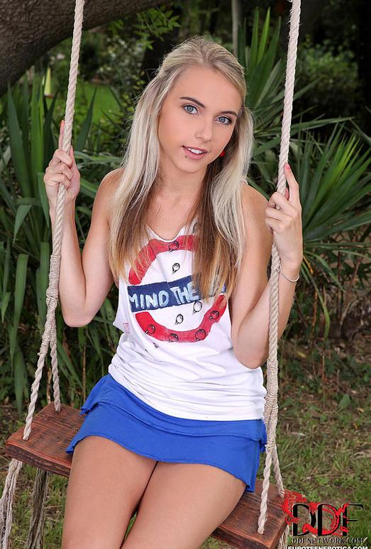 Chloe Toy - Euro Teen Erotica