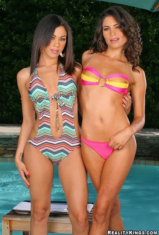 Summer Bailey & Paola Rey - Amor Caliente