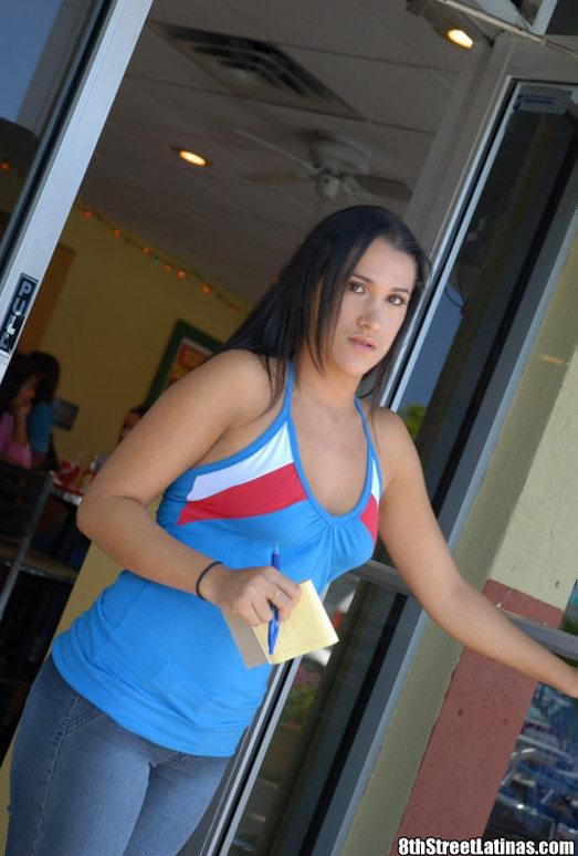 Lia - Taco Viva - 8th Street Latinas