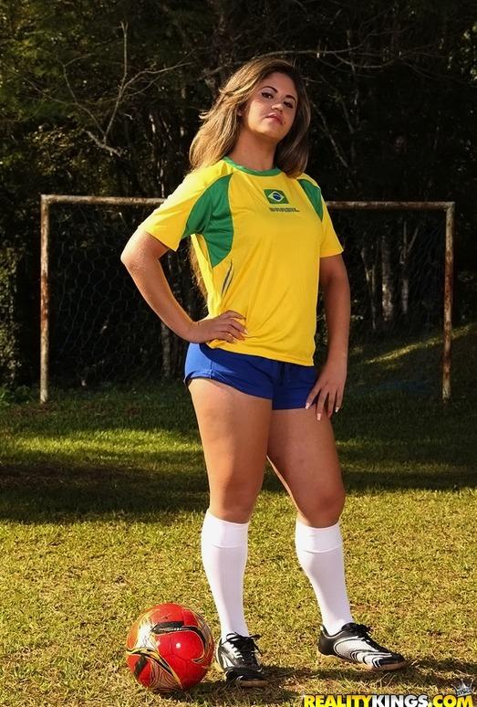 Fernanda Rodrigues - Penalty Blow - Mike In Brazil