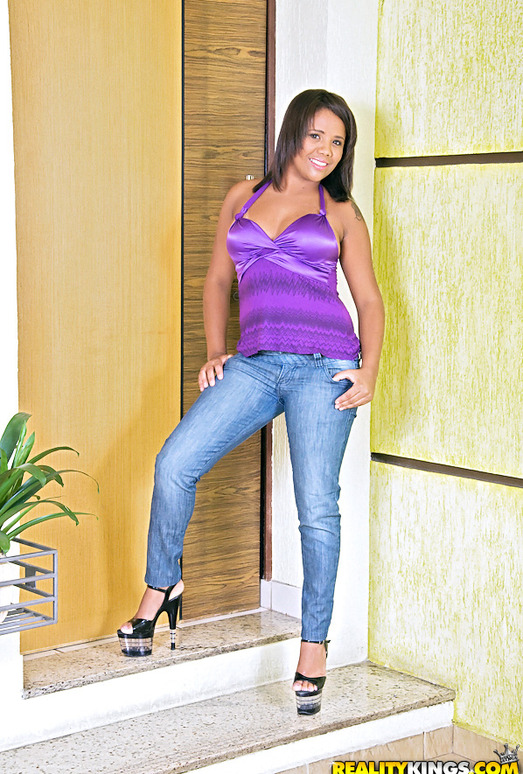 Sophia Pacheco - The Pick Up - Mike In Brazil