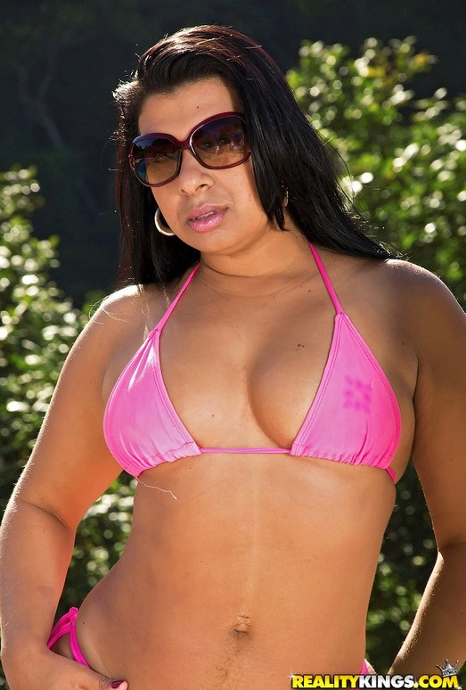 Sheila Morena - Juicy Return - Mike In Brazil